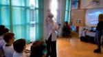Person som testar ett VR-spel